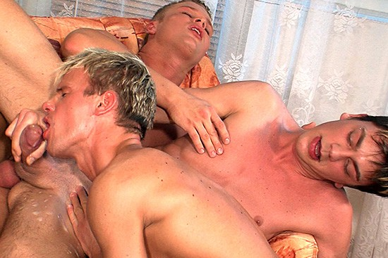 Bare Chat Scene 6 DOWNLOAD - Gallery - 006