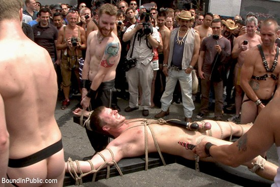 Bound In Public 70 DVD (S) - Gallery - 005
