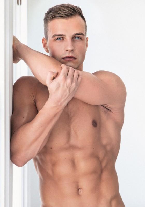 Lukas ridgestone homo porno