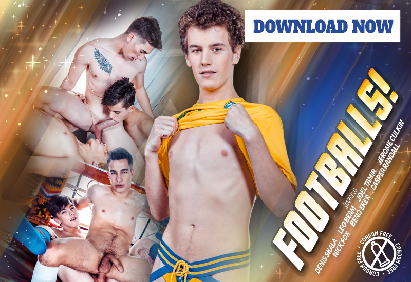 Footballs! DOWNLOAD